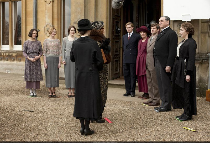 Season-3-downton-abbey-32238645-3000-2044